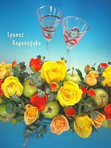季節のお花をメインにプチりんごのメインテーブル【生花】【フラワーアレンジメント】【ブライダル】【新宿神楽坂店】