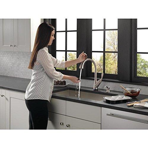 Delta Ashton Stainless 1-handle Deck Mount Pull-down Touch ShieldSpray Kitchen Faucet