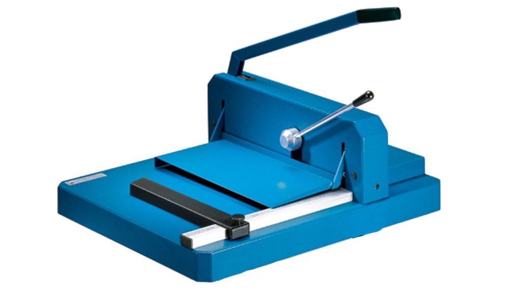 Dahle 842 Professional Stack Cutter, 200 Sheet Capacity, 16-7/8'' Cut Length, German Engineered, w/Integrated Safety Features