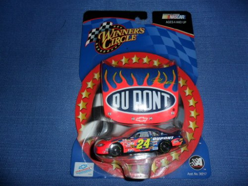 2003 NASCAR Winner's Circle . . . Jeff Gordon #24 Dupont Chevy Monte Carlo 1/64 Diecast . . . Includes 1/24 Scale Hood