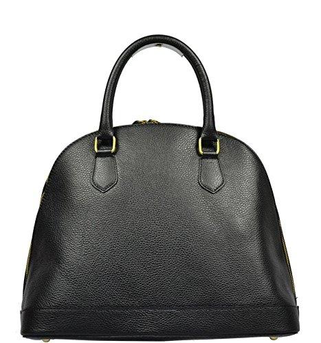 Schöne praktische Leder Schwarze italienische Handtasche aus Leder Agnella Nera in der Hand