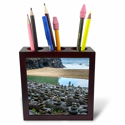(3dRose Danita Delimont - Beaches - Hawaii, Kalalau Trail, Kauai, Napali, Pacific Ocean, rock cairns - 5 inch tile pen holder (ph_278938_1))
