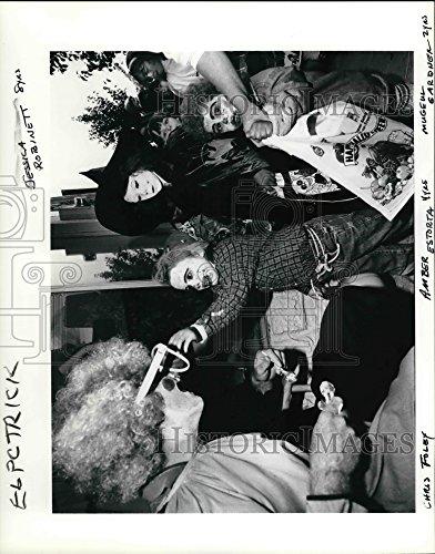 Vintage Photos 1991 Press Photo Gresham Halloween, Chris Foley, Amber Estorta, Jessica