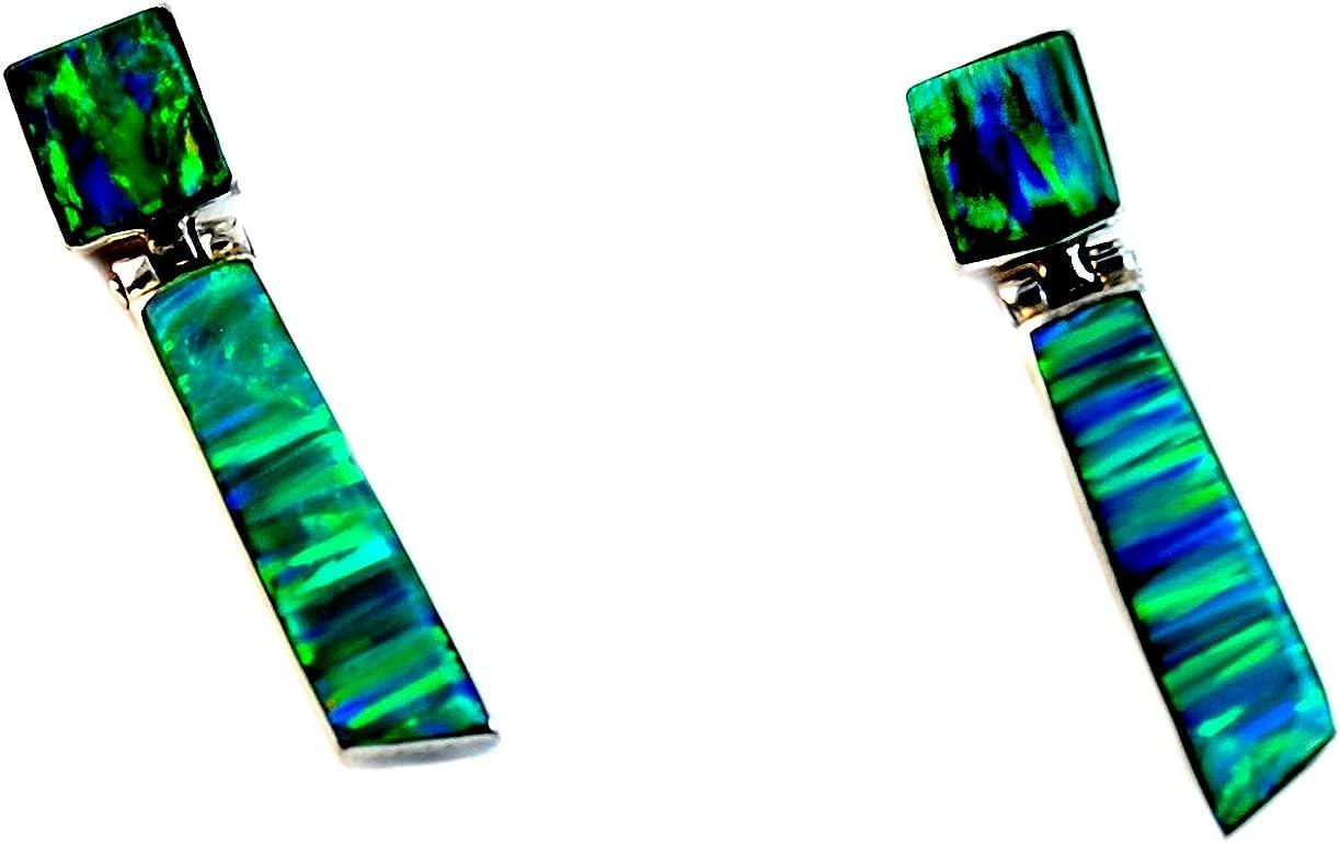 Calani Pendientes Artesanales de Plata 925 con Ópalo verde hechos en el pueblo de Taxco, México. Largo: 3cm, Peso: 1.70g.