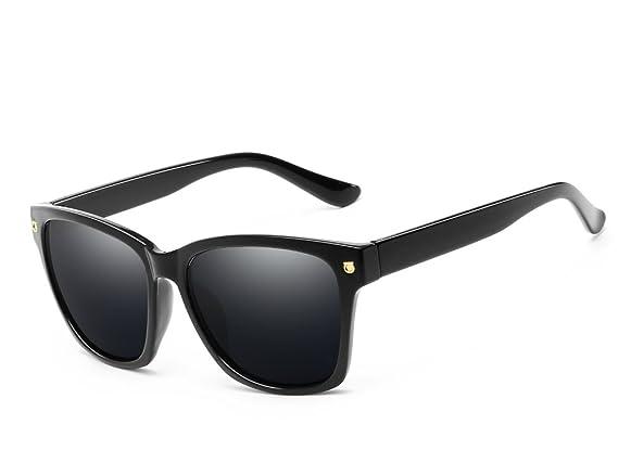 45e1606935d5 Amazon.com: Classic 80s Wayfarer Style Sunglasses New Black Squared  Rectangle Sunshade UV400 (Black): Clothing