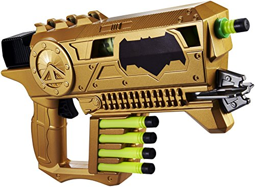 Mattel DHY30 Batman V Superman Kryptonite Strike Blaster, 14 x 7.5-Inch