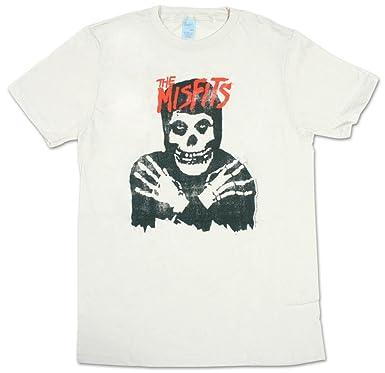 a7518393 Amazon.com: Misfits - Classic Skull Distressed T-Shirt Size L: Clothing