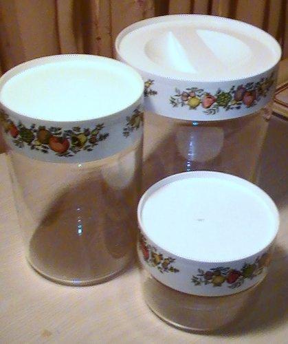 (Vintage Pyrex Spice of Life Glass Canister Set - Set of 3)