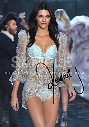 Large Kendall Jenner Model Keeping Up With The Kardashians Print  11 7  X 16 5