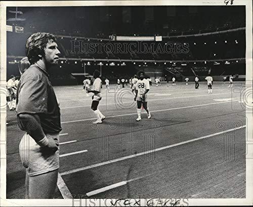 Historic Images - 1975 Vintage Press Photo New Orleans Saints - Quarterback Archie Manning at Superdome.