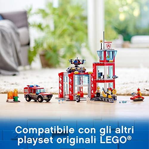 LEGO City Fire Caserma dei Pompieri su 3 Livelli con 4 Minifigures Mattoncini Sonori e Luminosi, Set Ricco di Dettagli e Accessori per Bambini dai 5 Anni in Su, 60215