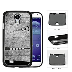 Mummy Peeking Through Bandage Grunge Hard Plastic Snap On Cell Phone Case Samsung Galaxy S4 SIV I9500