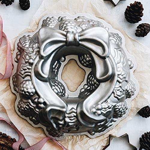 Nordic Ware Platinum Holiday Wreath Bundt Pan by Nordic Ware (Image #3)