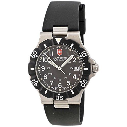 Victorinox Swiss Army Men's 'Summit XLT' Swiss Quartz Stainless Steel and Rubber Casual Watch, Color:Black (Model: 24001)