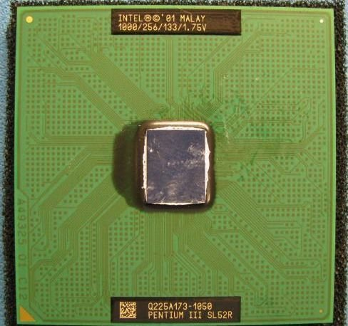 - Intel Pentium 3 III SL52R 1000/256/133/1.75V socket 370 CPU