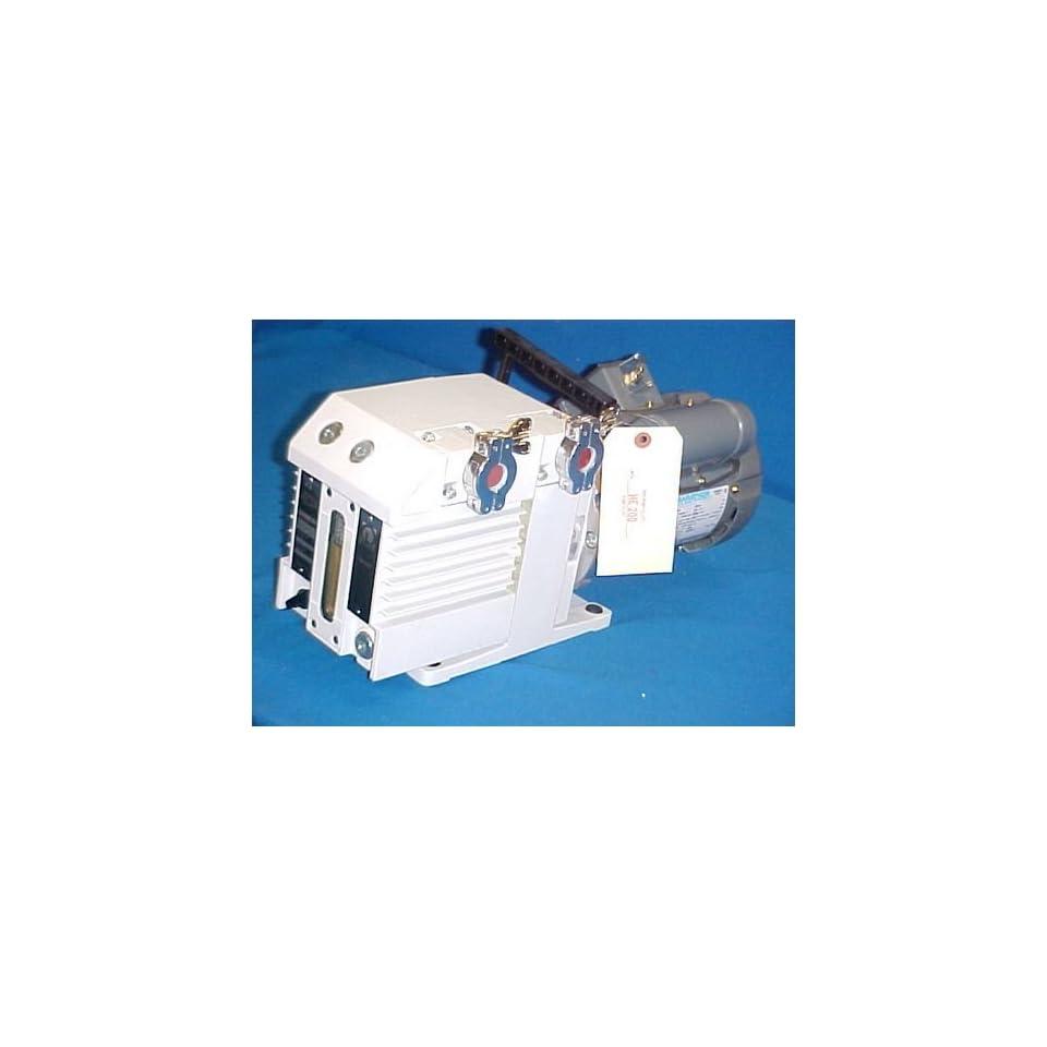 TRIVAC B ROTARY VANE VACUUM PUMP D4B 220V