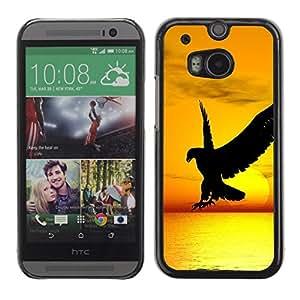 Caucho caso de Shell duro de la cubierta de accesorios de protección BY RAYDREAMMM - HTC One M8 - Hawk Eagle Bird Wild Flight Sunset Yellow