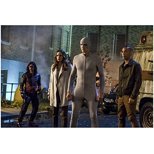 Hartley Sawyer 8 inch x 10 inch Photograph The Flash (TV Series 2014 -) Standing Outdoors Wearing All Grey Costume w/Danielle Panabaker, Kendrick Sampson & Carlos Valdes kn