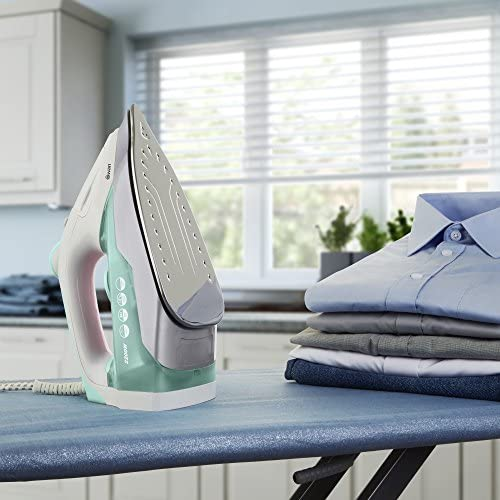 Swan SI30130N Non Stick Stainless Steel Soleplate Steam Iron, Self Cleaning Function, 2200W, Green