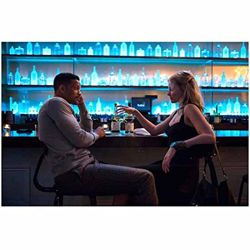 focus-movie-2015-will-smith-and-margot-robbie-sitting-and-talking-at-blue-lighted-bar-with-wine-8-x-