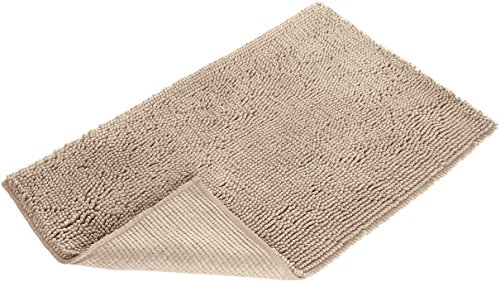 "AmazonBasics Non-Slip Microfiber Shag Bathroom Rug Mat, 21"" x 34"", Beige - Microfiber shag bath rug in Beige provides a comfortably plush place to stand and helps keep floors dry Absorbent, plush tufts across the entire surface soak up water fast; dries quickly for supreme comfort from one use to the next Non-slip backing keeps the rug securely in place, even when wet, for added safety - bathroom-linens, bathroom, bath-mats - 51xVVZOy9uL -"
