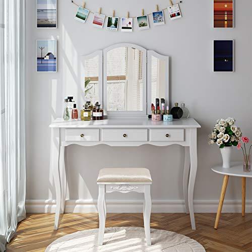 HOMECHO Tocador de Dormitorio Mesa Tocador para Maquillaje de Madera Blanca, con 3 Cajones 3 Espejos Plegados 1 Taburete Tapizados, 108 x 45 x 134 cm