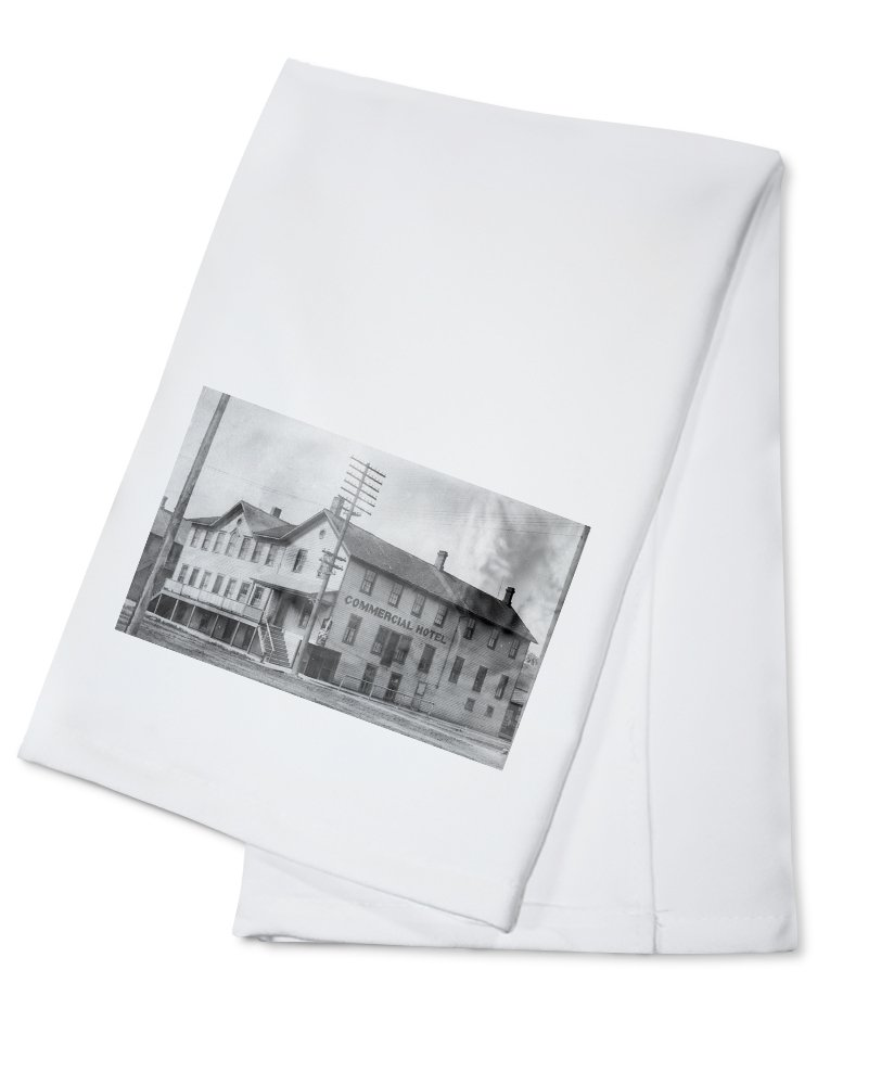 Hampshire, Illinois - Exterior View of the Commercial Hotel (100% Cotton Kitchen Towel)