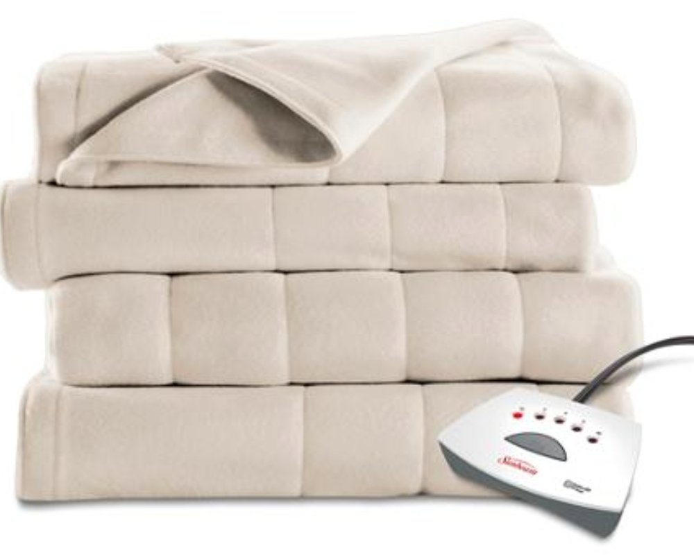 Watch The Sunbeam Electric Blanket With 1,000 5-Star Reviews Helps Me Fall Asleep Instantly video