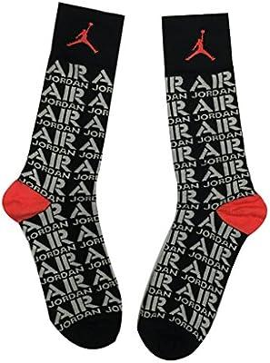 f573ab86bb54 Amazon.com   Nike Jordan Retro 5 Sneaker+ Crew Socks White Black 658501-010    Sports   Outdoors