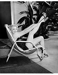 Marilyn Monroe stretching leg
