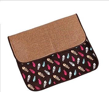 Sun Glower Bonita Cama para Su Mascota Summer Pet Mat Suministros para Mascotas Ice Pad Cat Sleeping Blanket Dog Cushion (Coffee Fish, S): Amazon.es: ...