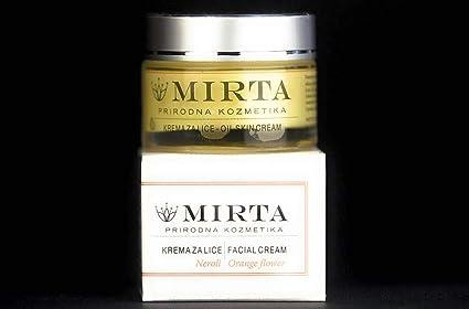 Una lujosa crema con un aroma de azahar. Gracias a la alta concentración de carotinoides