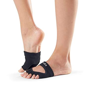 38400314f11b Amazon.com   toesox Yoga Women Dance Socks - Non Slip Grip Releve ...