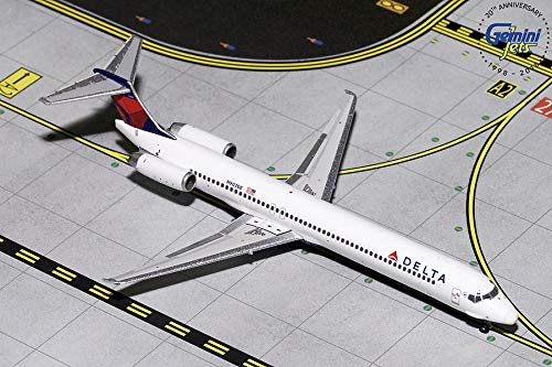 GeminiJets Delta Air Lines MD-88 N903DE 1:400 Scale Diecast Model Airplane