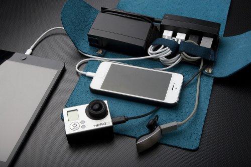 AViiQ Portable Charging Station Mini Folio - Black Leather