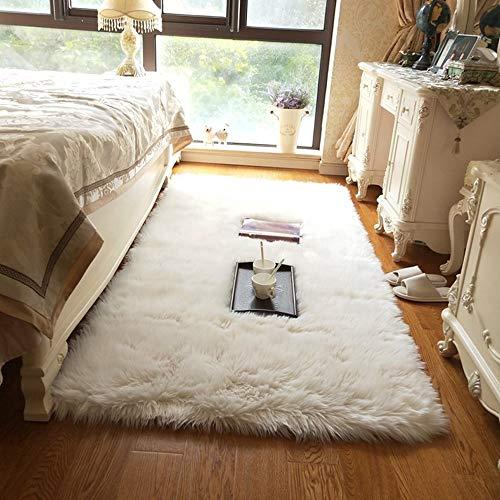 bedee Teppich Wohnzimmer Faux Lammfell Schaffell Teppich, Kunstfell Dekofell Lammfellimitat Teppich, Weiß Hochflor Teppiche for Schlafzimmer Kinderzimmer Esszimmer Bettvorleger Sofa Matte (80x180cm)