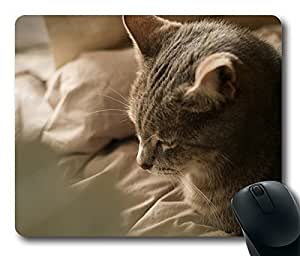Warmer Cool Comfortable Gaming Mouse Pad by runtopwell