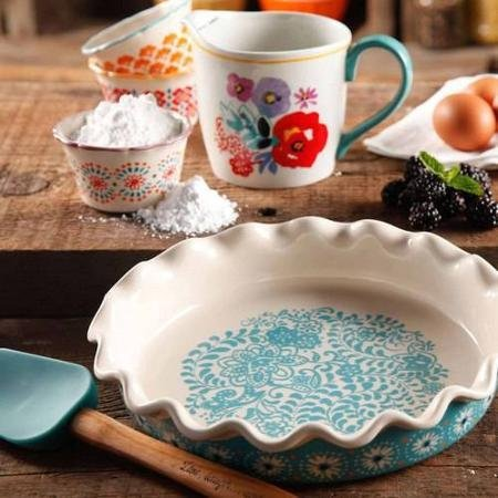 The Pioneer Woman Flea Market Decorated 9 Ruffle Top Pie Plate and 2.3-Quart Ruffle Top Bakeware by The Pioneer Woman