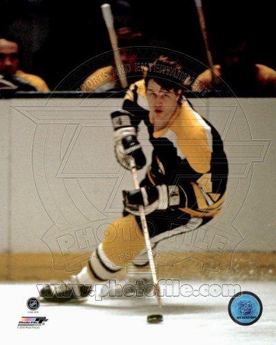 (Bobby Orr Boston Bruins NHL Action Photo 8x10 #11 )
