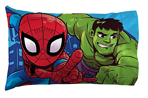 Jay Franco Marvel Avengers Heroes Amigos 4 Piece Toddler Bed Set – Super Soft Microfiber Bed Set – Bedding Features Captain America, Hulk, Iron Man, and Spiderman (Official Marvel Product) 4