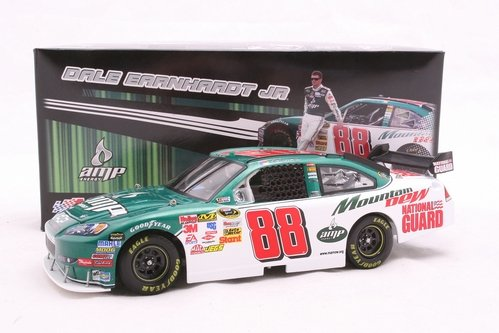 ACTION 1:24 DALE EARNHARDT JR. #88 AMP ENERGY NATIONAL GUARD 2009 IMPALA SS COLLECTABLE DIECAST