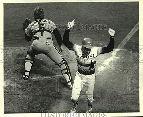 1981 Press Photo Houston Astros' Joe Morgan celebrates scoring a run. ()