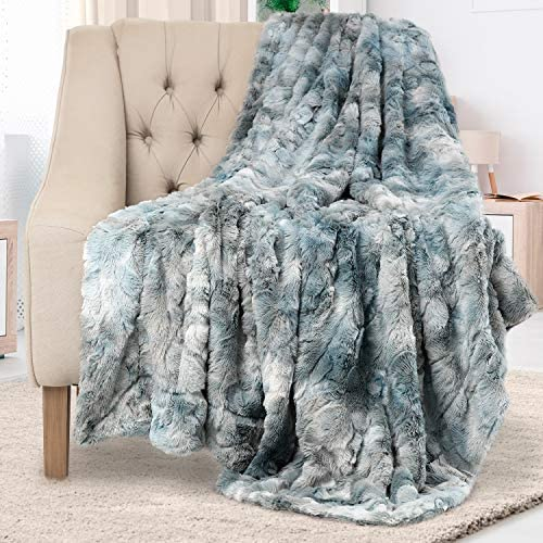 Everlasting Comfort Luxury Faux Fur Throw Blanket - Ultra Soft and Fluffy - Plush Throw Blankets for Couch Bed and Living Room - Fall Winter and Spring - 50x65 (Full Size) Arctic Blue