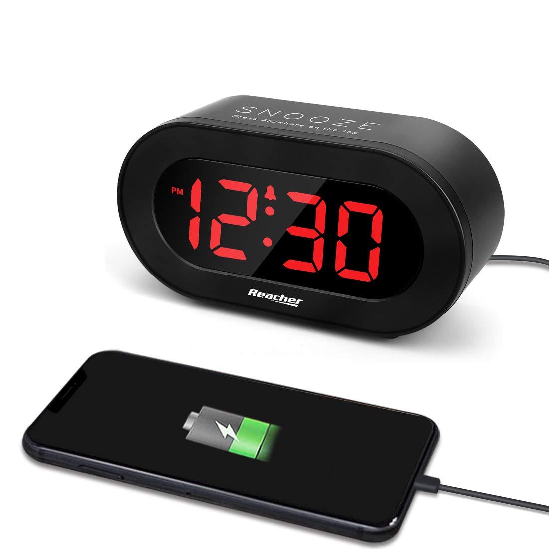 REACHER Small LED Digital Alarm Clock - 0-100% Dimmer, Easy Snooze, Adjustable Alarm Volume, USB Phone Charger Port, Black