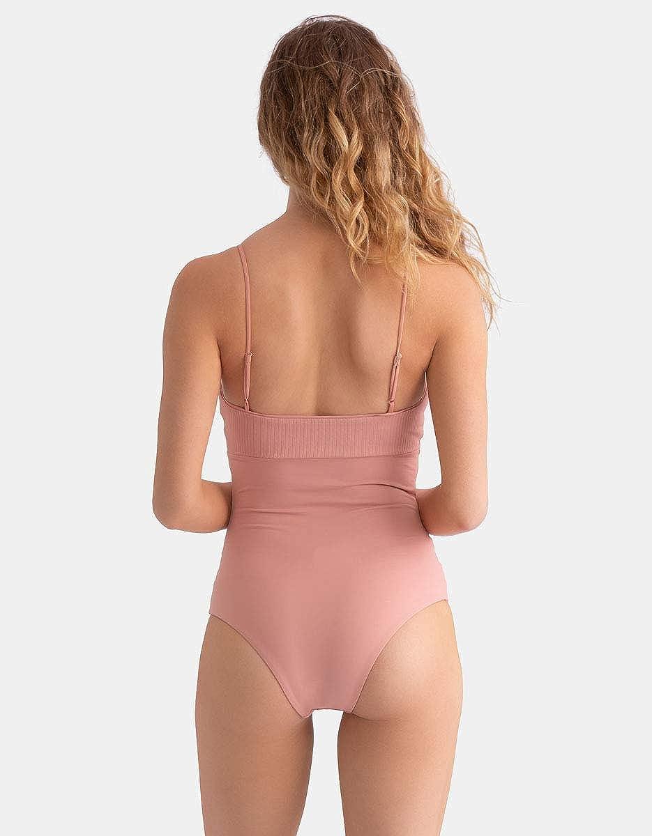 Tavik Womens Scarlett Moderate One-Piece Swimsuit