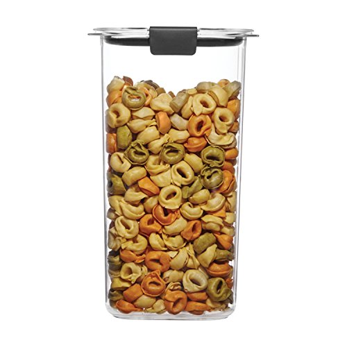 Rubbermaid Brilliance Pantry Airtight Food Storage Container, BPA-Free Plastic, 6.6 Cup