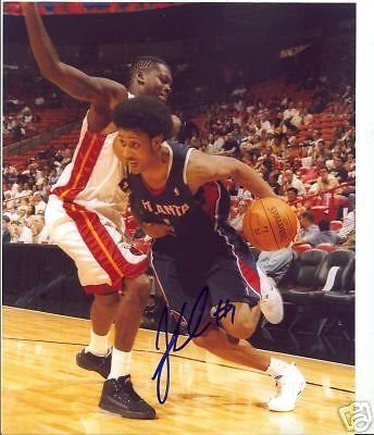 JOSH CHILDRESS ATLANTA HAWKS SIGNED 8X10 PHOTO (Josh Childress Atlanta Hawks)