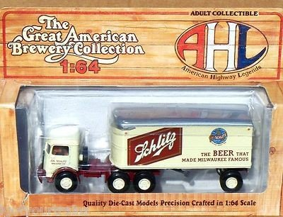 Hartoy 52106 Mack CJ Schlitz Beer Semi Truck 1/64 The Great American Brewery Collection AHL Dieast Model