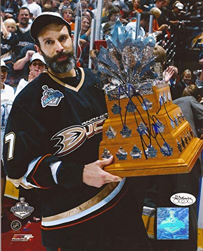 (Scott Niedermayer Anaheim Ducks Autographed Signed 8x10 Photograph)