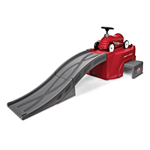 Radio Flyer 500 Ride-On with Ramp, Red